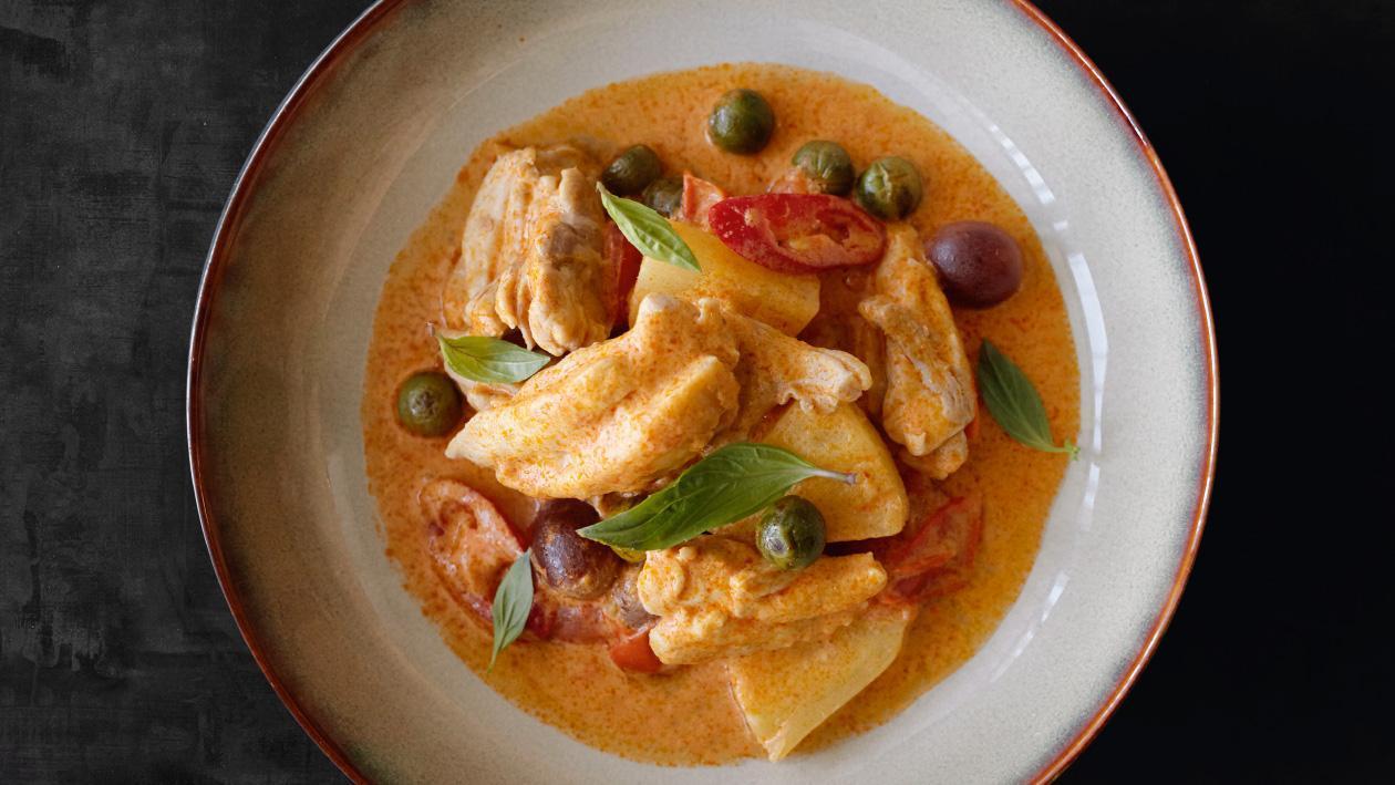 Pui cu curry rosu thailandez