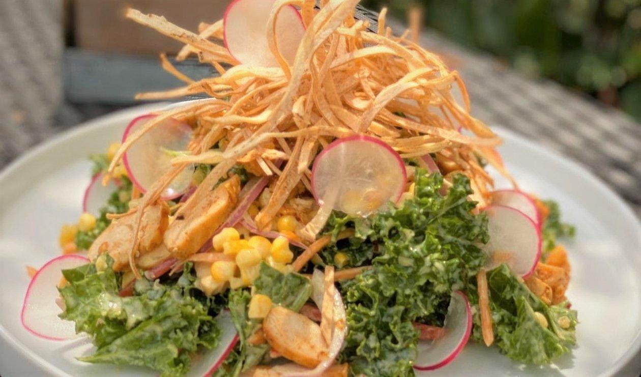 Salata de pui cu kale