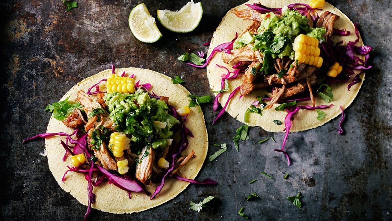 Tacos cu fasii din carne de porc si ananas prajit
