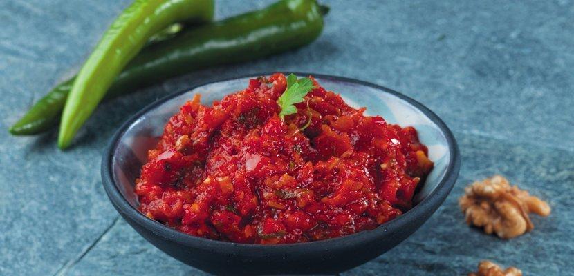 Итальянская томатная паста (0,8кг) - 100% томатная паста, имеющая яркий цвет, насыщенный вкус и густую консистенцию.