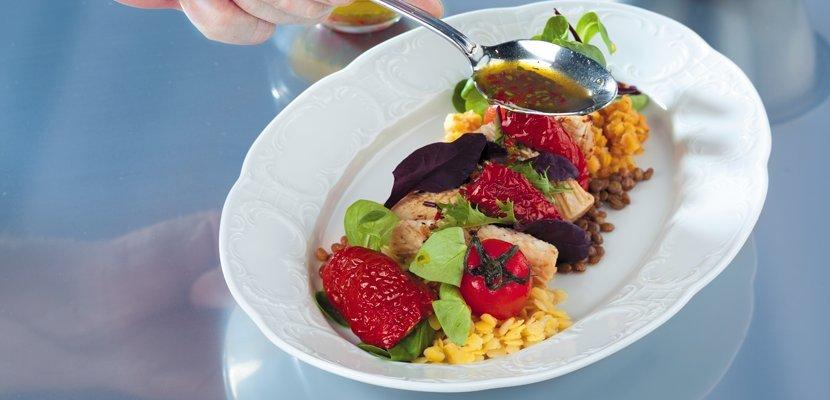 KNORR Вяленые томаты (0,75кг) - Спелые отборные грунтовые томаты, собранные в разгар сезона в Италии и приготовленные по классической рецептуре в масле и винном уксусе.