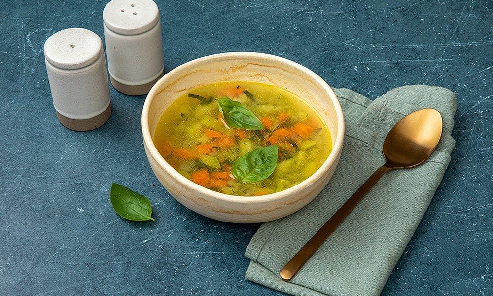 Итальянский овощной суп с базиликом