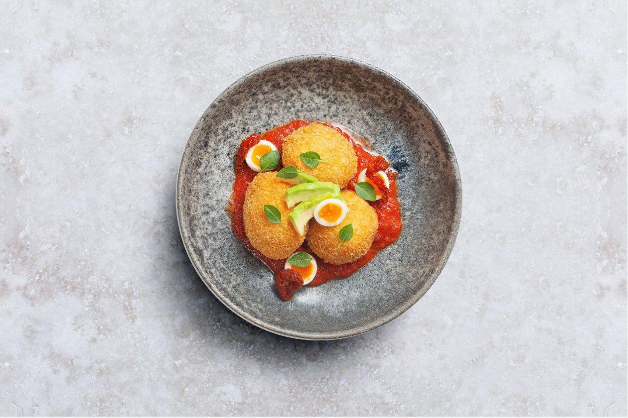 Картофельные крокеты с сальсой из томатов