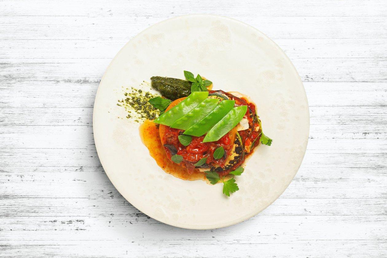 Овощная лазанья с соусом Наполи