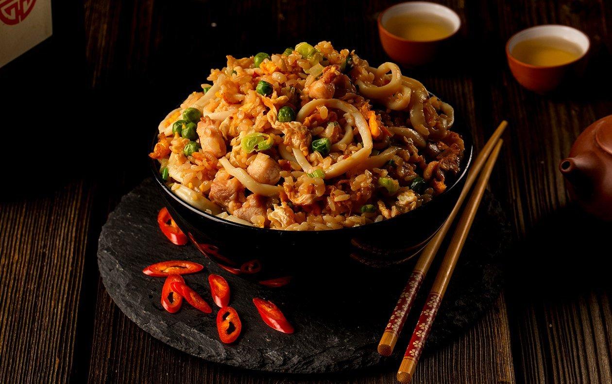 Рис с кальмарами и курицей