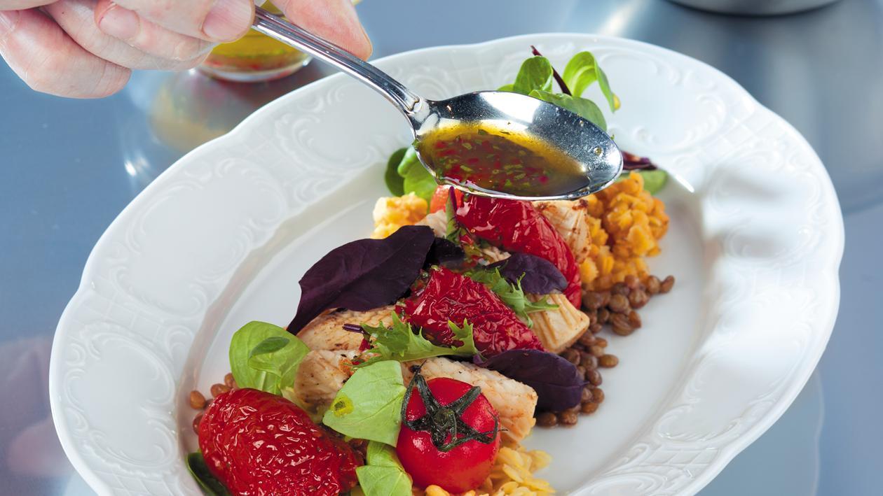 Салат с кальмарами и вялеными томатами