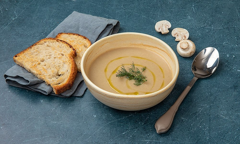 Суп из белых грибов с гренками