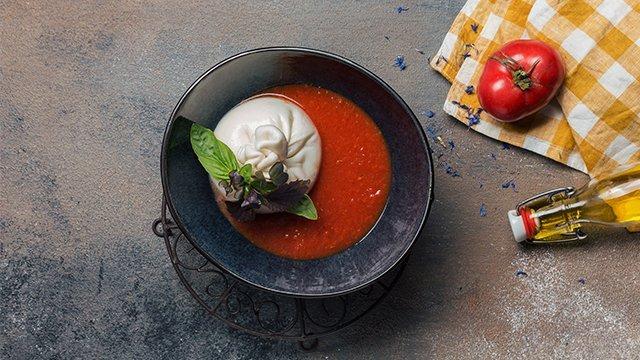 Томатный суп с бурратой
