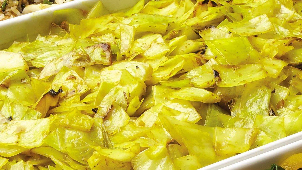 Тушеная капуста с устричным соусом