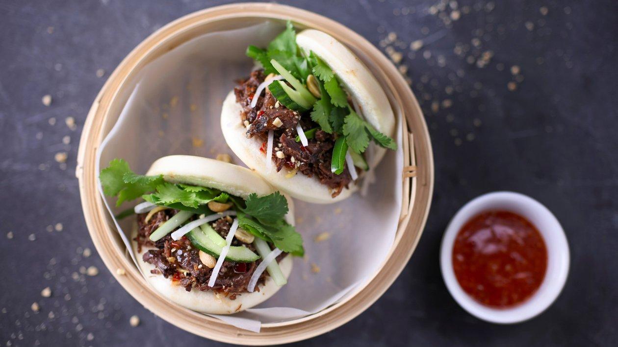 Гуа бао – парова булочка з тушкованими яловичими щоками. – Рецепти