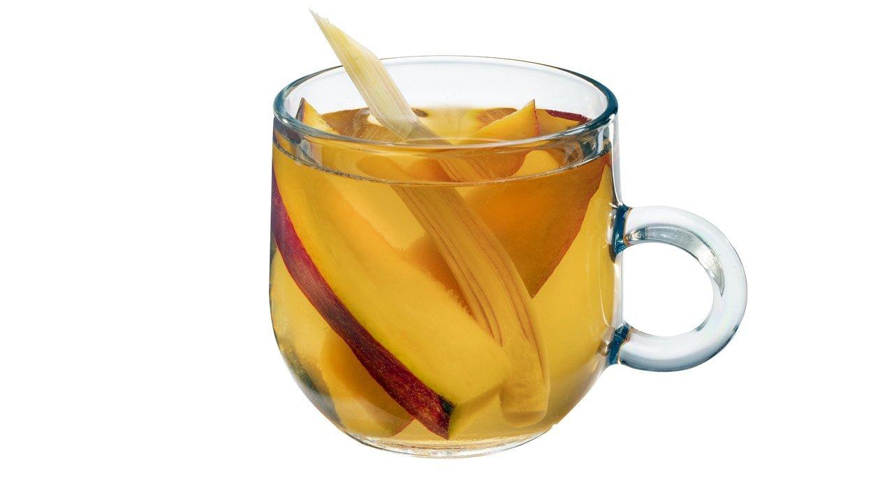 Čaj s mangom a citrónovou trávou