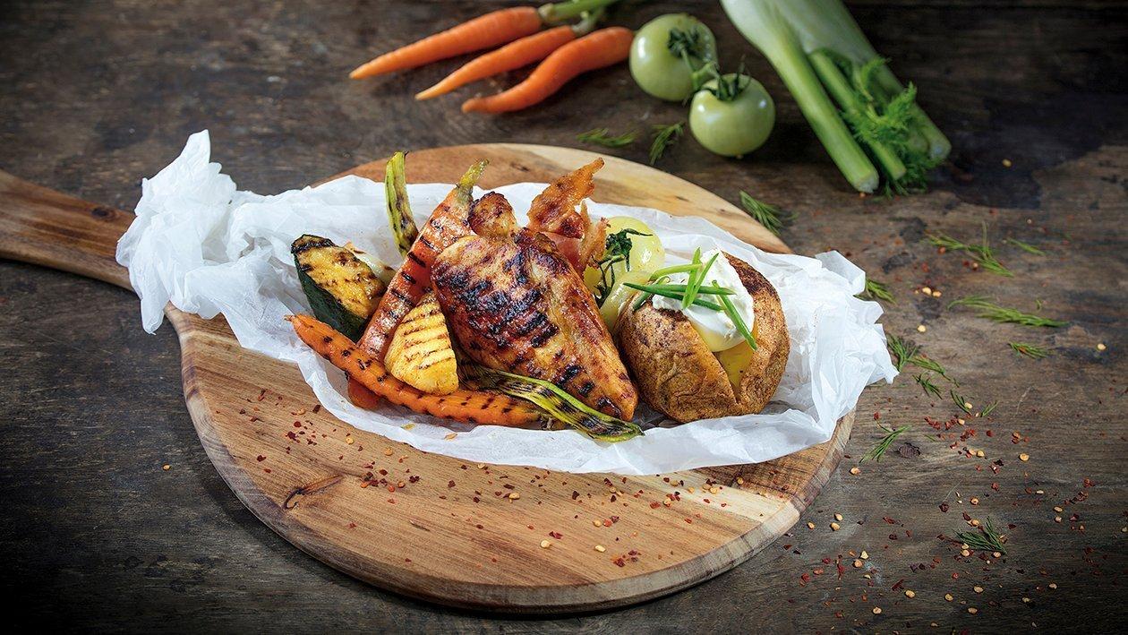 Grilované kurča supreme s grilovanou zeleninou, pečeným zemiakom a syrovo- hubovým dipom