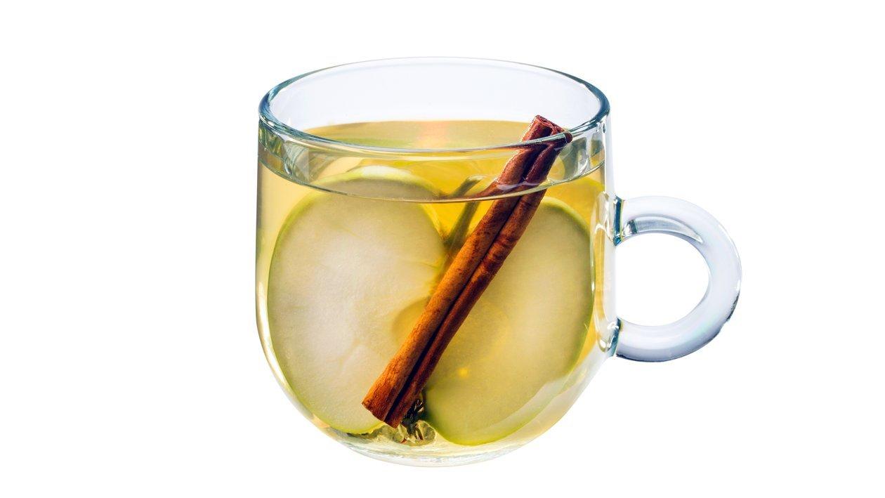 Jablkový  čaj so škoricou