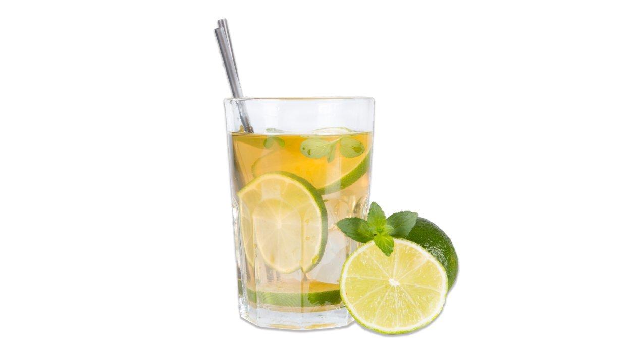 Osvežujoč čaj s citrusi in meto