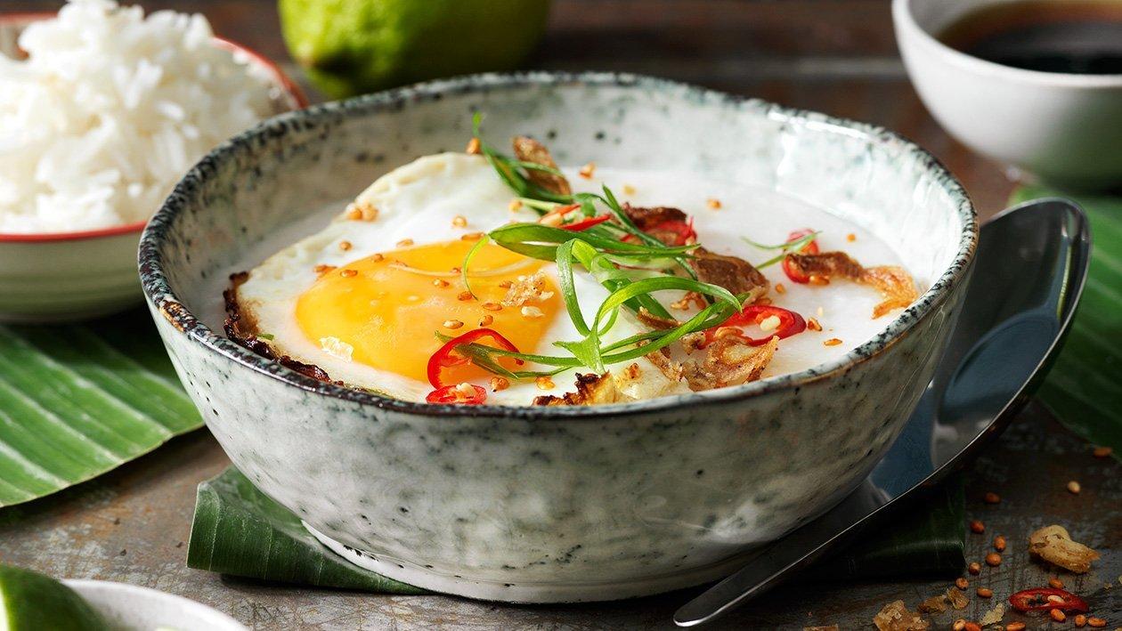 Congee med stekt ägg