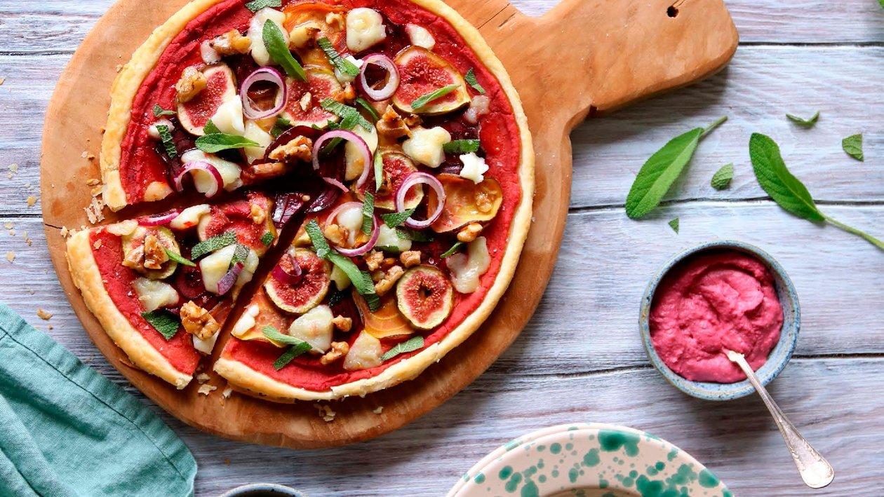 Pizza med rödbetshummus