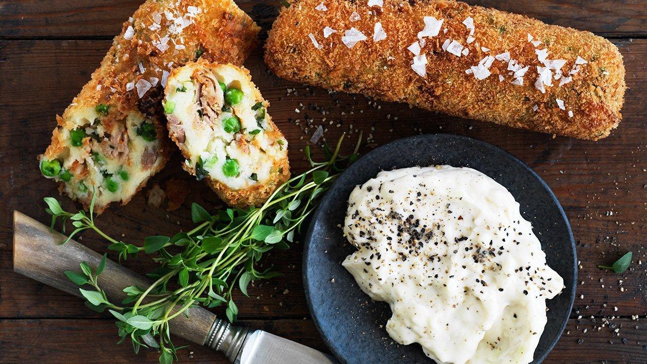 Potatiskroketter med rimmad oxbringa, ärtor, timjan och pepparrots- och senapsmajonnäs