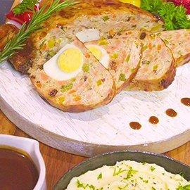 ไก่กาลันตินาซอสแดงและมันฝรั่งบด
