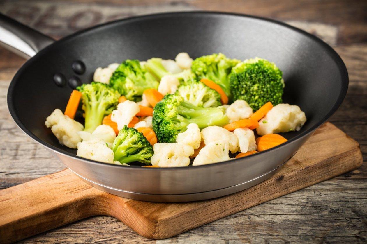 Buharda Pişirilmiş Tereyağlı Karnabahar Ve Brokoli