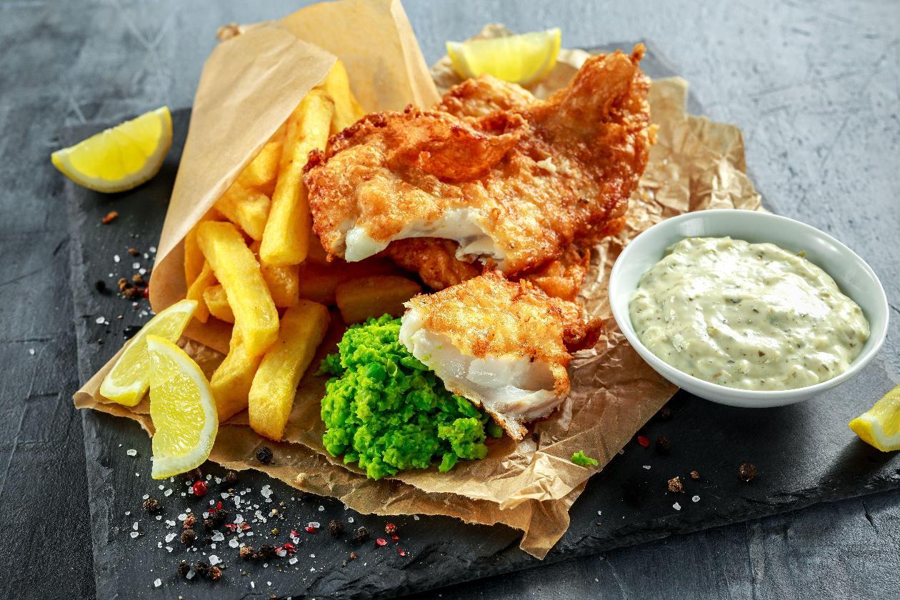 Fish & Chips Yeşil Bezelye Ezmesi ve Tartar Sos ile