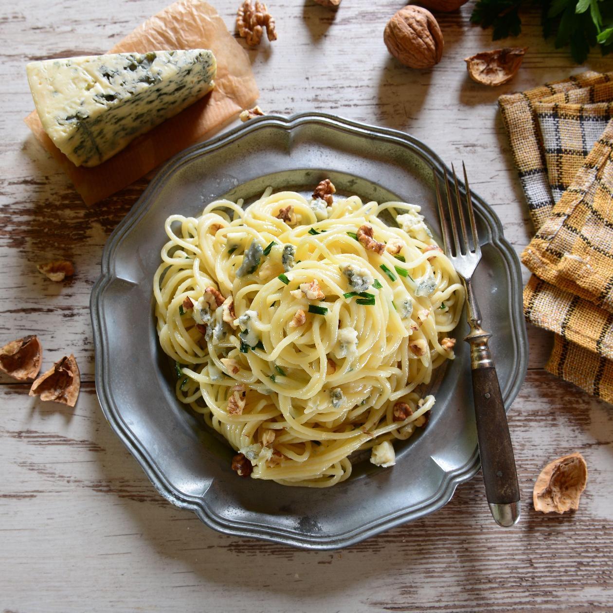 Gorgonzola Peynirli Ve Cevizli Spagetti