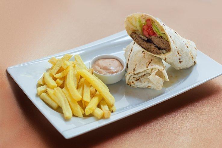 Köfteli Burrito Patates Kızartması İle