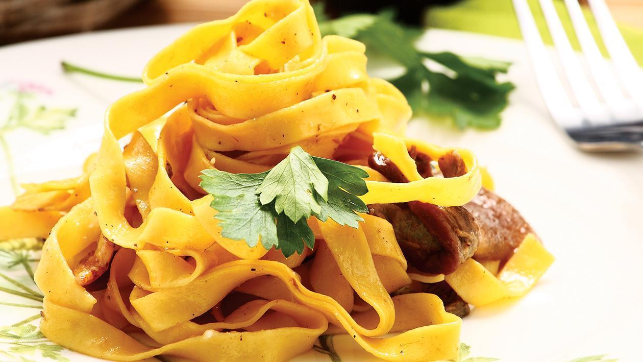 Köz Patlıcan Biber Soslu Etli Fettucine