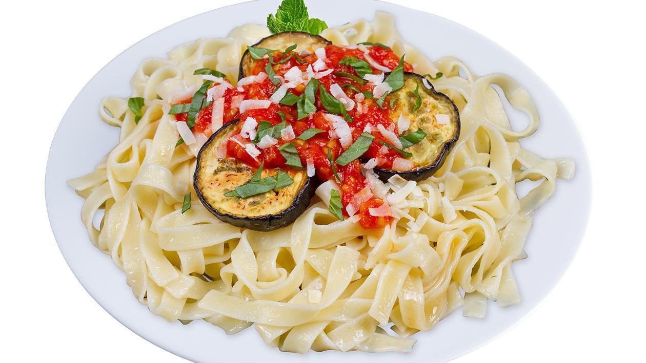 Kremalı ve Domatesli Patlıcanlı Tagliatelle