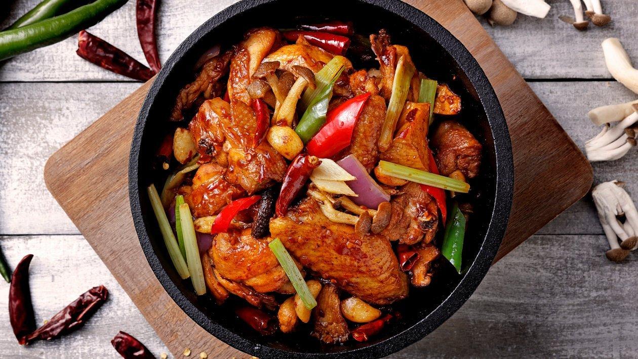 噴香八味雞煲 – 食譜詳情