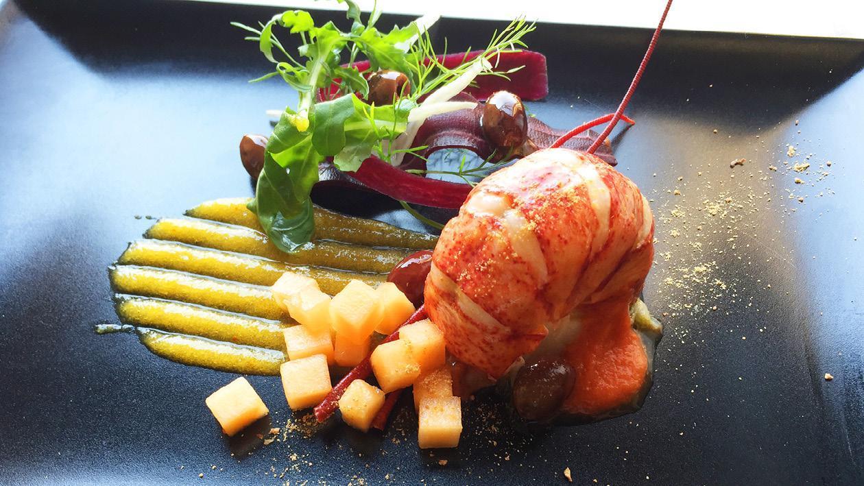 蒸龍蝦尾配牛油檸檬汁、橄欖、魚子及南瓜茸  – 食譜詳情