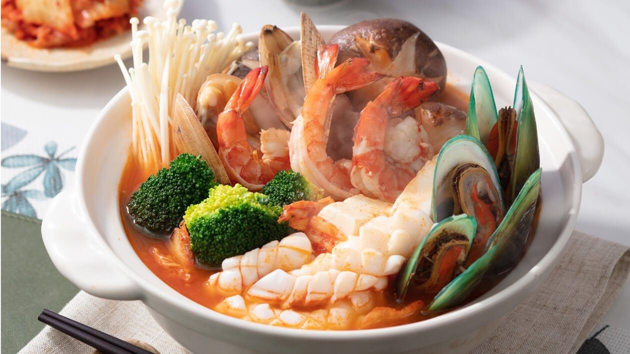香辣海鮮泡菜鍋 – 食譜詳情