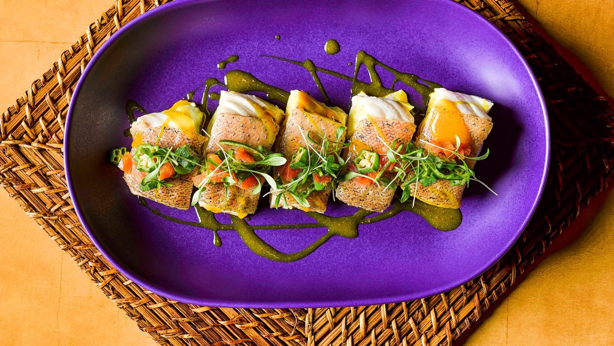 亚洲香料蒸海鲈鱼