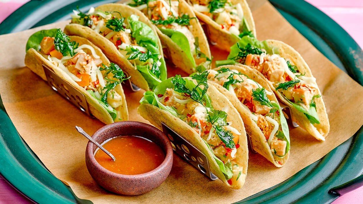 墨西哥熏鸡夹饼搭配罗望子芒果甜酸醬