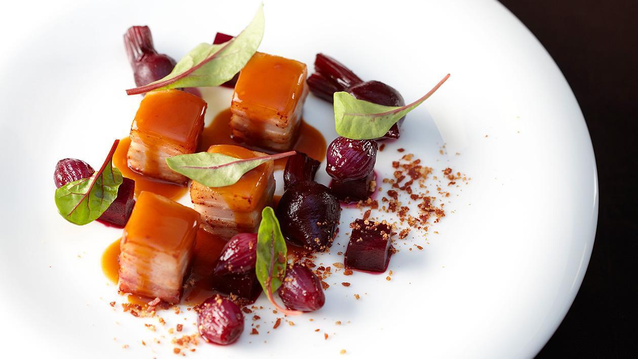甜菜根五花肉配蜂蜜树莓酱