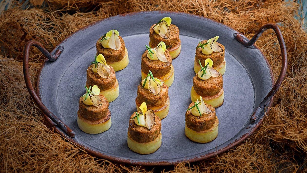 红酒焖牛肉配慢煮方旦马铃薯