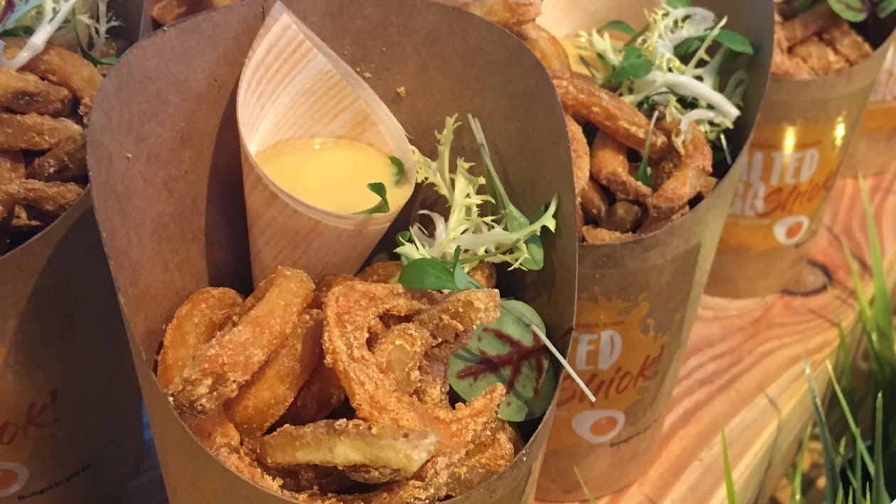 Curly Fries with Salted Egg Dip