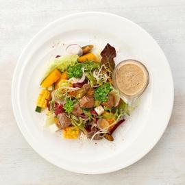 墨西哥風味烤牛肉沙拉佐芥末籽荷蘭醬