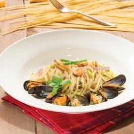 青口蘆筍寬麵配義式香草醬
