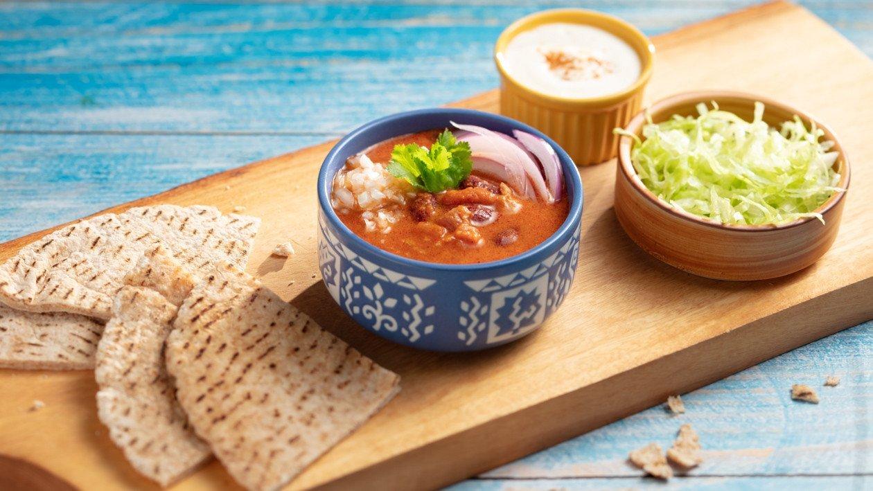 墨西哥餅佐蕃茄紅咖哩豆醬