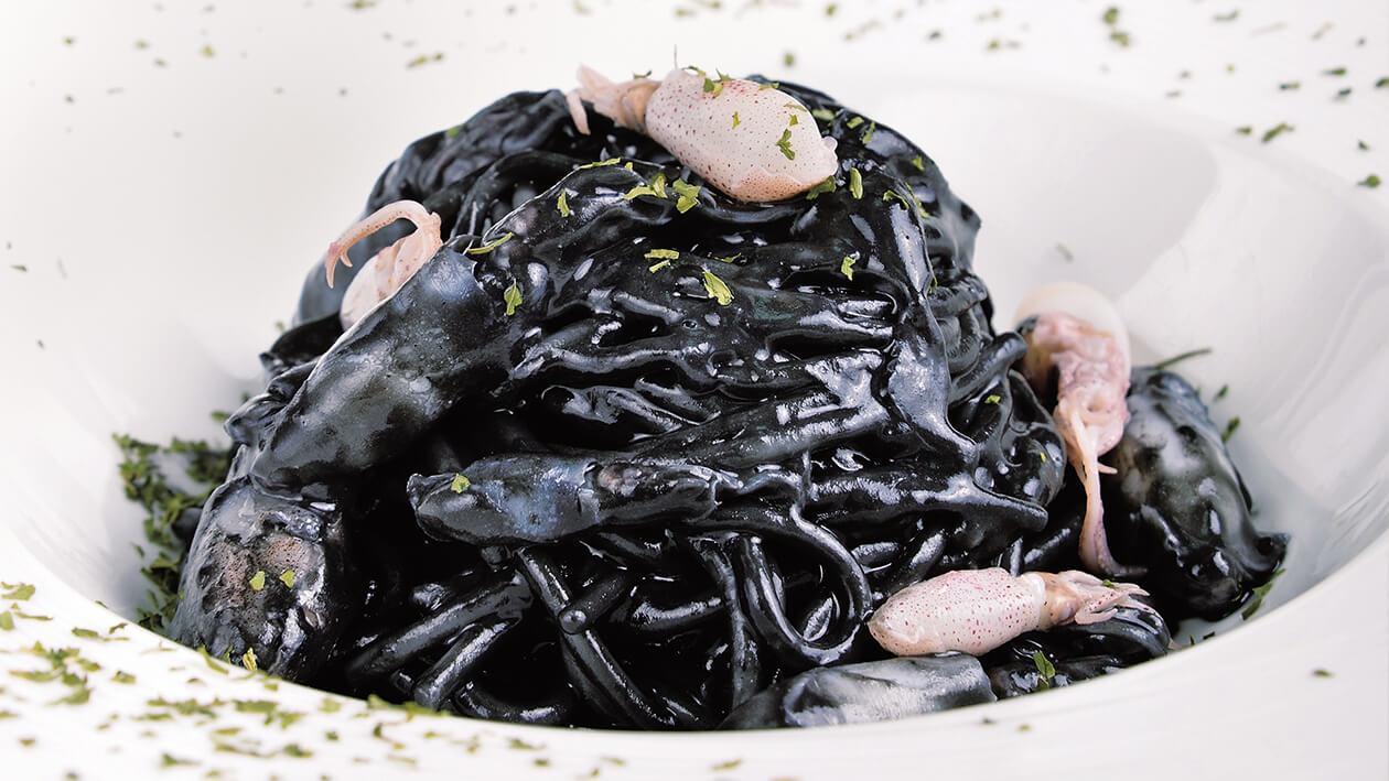 小卷煨墨魚麵