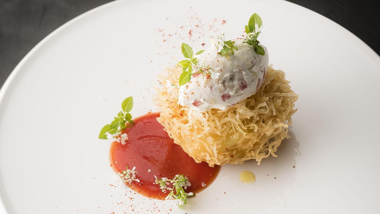 巴黎鳥巢蕃茄熔漿佐羅勒奶油醬