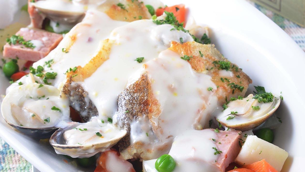 燉菜襯鱈魚蛤蠣奶油汁