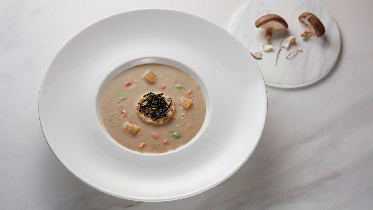 牛肝菌味噌湯佐煎豆腐及毛豆
