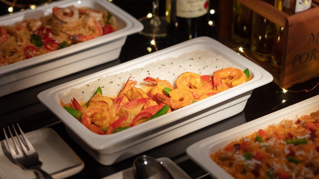 紅咖哩鮮蝦佐椰汁飯(Buffet版)