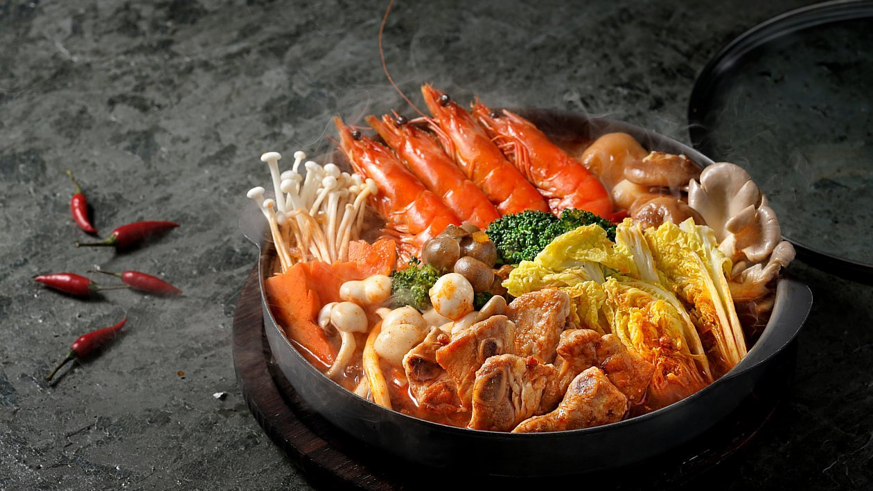 紅湯鮮蝦子排燜鍋