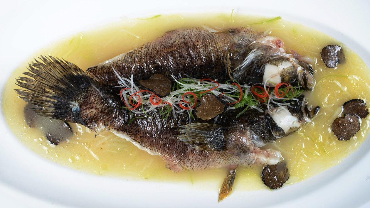花雕雞湯浸筍殼魚