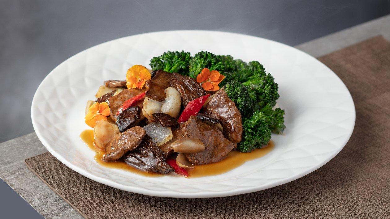 雙蠔蠔油百合羊肚菌炒牛小排